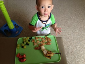 "T saying ""haaawt"" to his french toast (:"